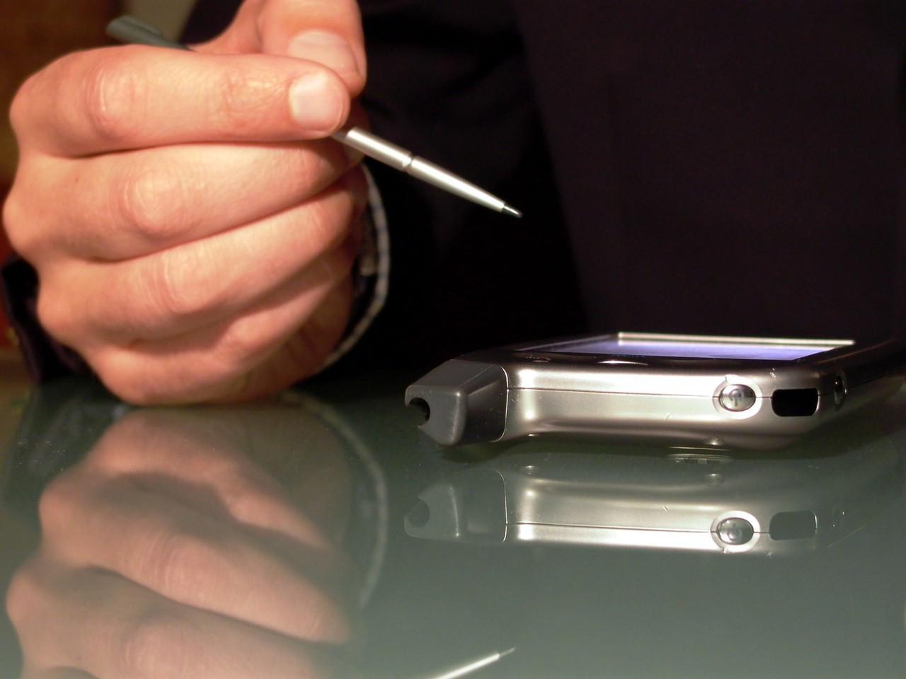Świat pełen współczesnej elektroniki wart refleksji