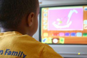 Dzieci uwielbiają gry komputerowe